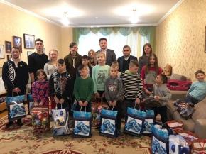Разом зі Святим Миколаєм представники Держрезерву відвідали дитячий будинок